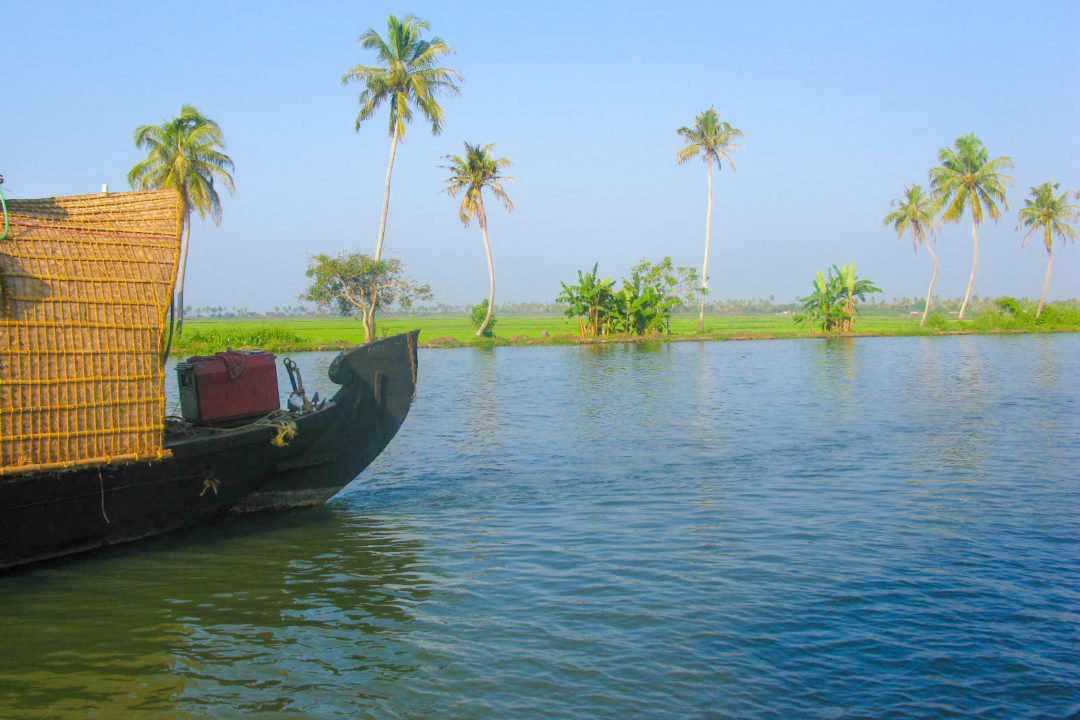 HEAVENLY RIDE IN KERALA BACKWATERS
