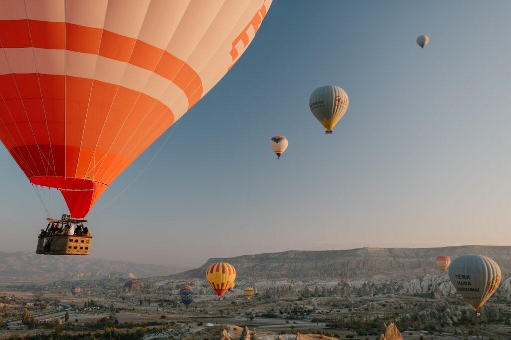 hot air balloon uae